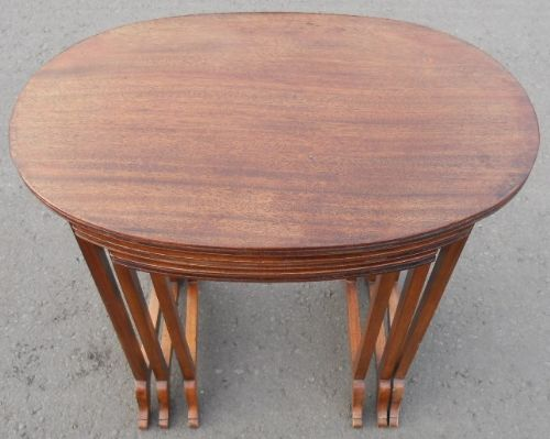 Oval Top Mahogany Nest of Three Coffee Tables